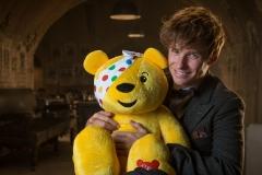 Eddie_Redmayne_to_star_in_Fantastic_Beasts_sketch_for_Children_In_Need